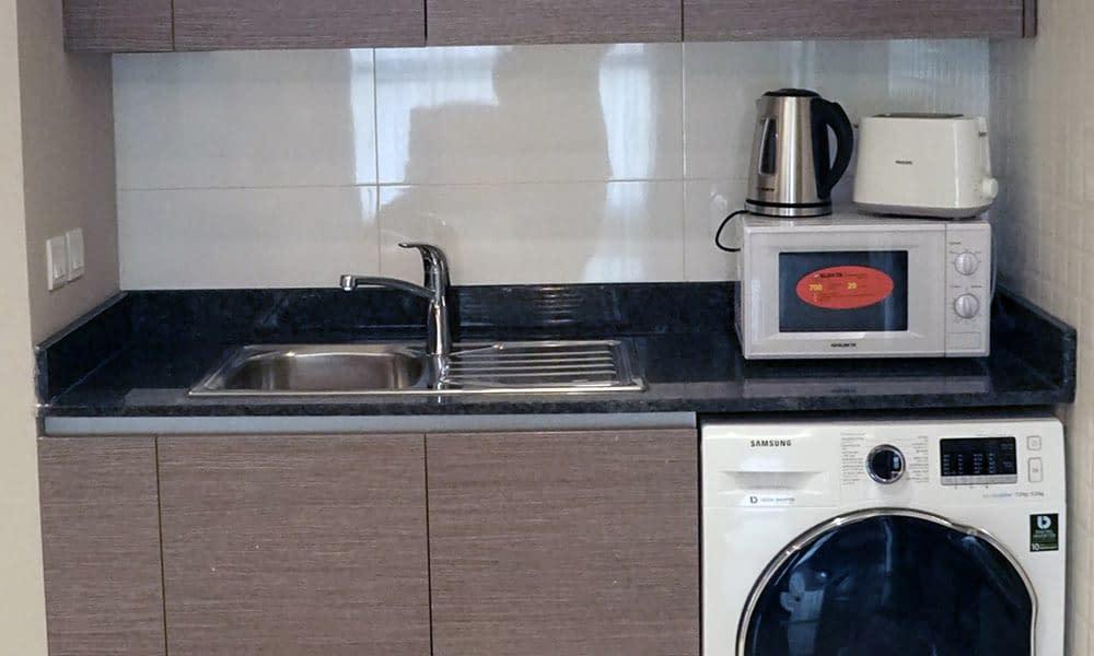 One Bedroom Deluxe Suite Kitchenette